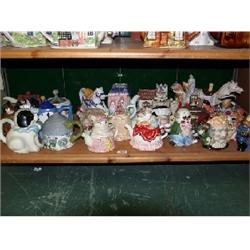 Approx. 24 Leonado novelty tea pots