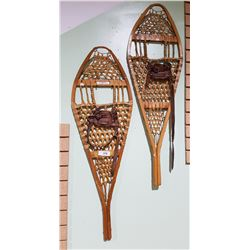 PAIR OF VINTAGE TORPEDO SNOW SHOES
