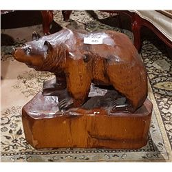 LARGE CARVED WOOD GRIZZLY BEAR SIGNED PETE RYAN