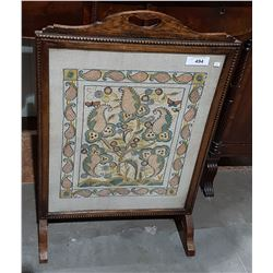VICTORIAN FIRE SCREEN W/EMBROIDERED PANEL