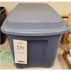 33 GALLON STOR-N-TOTE PLASTIC STORAGE BIN WITH HINGED LID