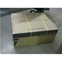 NEW IN SEALED BOX VERTAGEAR SL5000 RACING SERIES GAMING CHAIR