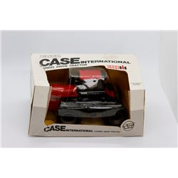 Case IH 4894 4WD Ertl 1:32 scale Has Box