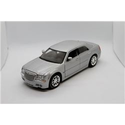 Dodge Chysler 300c 1:18 scale Has Box