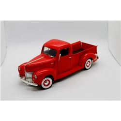 1940 Ford Pickup 1:18 scale Has Box
