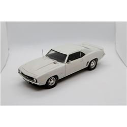 1969 Chevrolet ZL-1 Camaro 1:18 scale Has Box