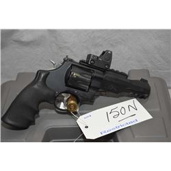 Restricted Handgun Smith & Wesson Perfomance Center Model 327 ( M & P R8 Tactial Rail .357 Mag Cal 8