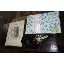 2 Boxes w/Placemats & Napkins and a Burl Clock