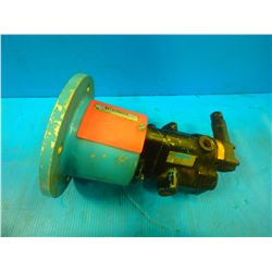 MAGNALOY COUPLING M182502A W/VICKERS PUMP