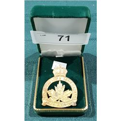 VINTAGE CANADIAN ARMY CADETS BADGE
