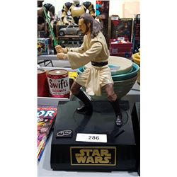 STAR WARS QUI-GON-JINN TALKING COIN BANK