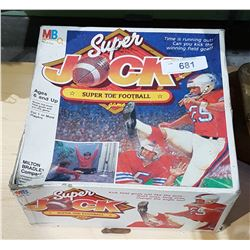 VINTAGE 1981 MILTON BRADLEY SUPER JOCK SUPER TOE FOOTBALL GAME IN ORIGINAL BOX