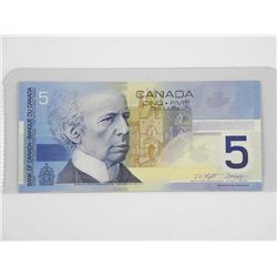 Bank of Canada 2002 $5. (AOC - 7777).