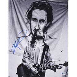 Pete Townsend Signed 11x14 Photo (Beckett COA)