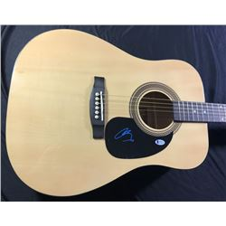 Chris Young Signed Full-Size Rogue Dreadnought Acoustic Guitar (Beckett COA)