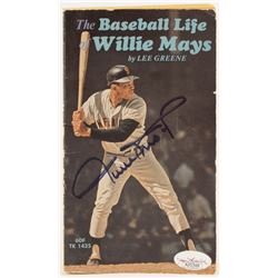 """Willie Mays Signed 1972 """"The Baseball Life of Willie Mays"""" Paperback Book (JSA COA)"""