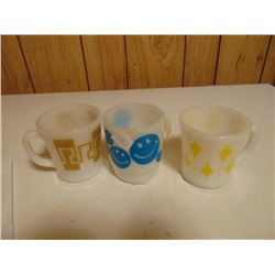 THREE VINTAGE ANCHOR HOCKING COFFEE MUGS HAPPY FACE ETC