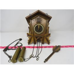 CUCKOO CLOCK W/ WEIGHTS NO FINIAL KEEPS GOOD TIME FROM GERMANY