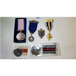 LOT OF 6 VARIOUS MEDALS