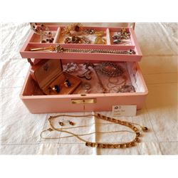 JEWLLERY BOX & CONTENTS