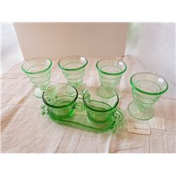 GREEN DEPRESSION GLASS, (CREAM, SUGAR, 4 DESSERT CUPS)
