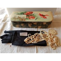 GLOVE BOX (W/GLOVES & PEARLS)