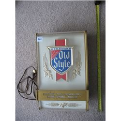 HEILEMAN'S LIGHTED BEER SIGN - *US BREWERY* - (WISCONSIN - CLOSED)
