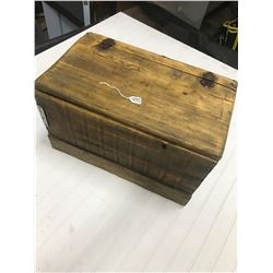 "CHILDS PRIMITIVE (PINE) TRUNK *19""WX11.5""HX11.5""D*"