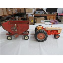 CASE TRACTOR (W/ANITQUE) GRAIN CART