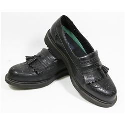 PAIR OF MENS SHOES, SIZE 9W