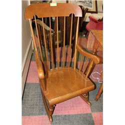 MAPLE WOOD ROCKING CHAIR