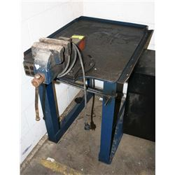 WELD TABLE WITH HEAVY DUTY VICE