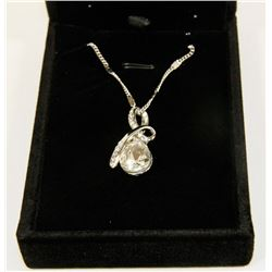 CLEAR FASHION NECKLACE WITH