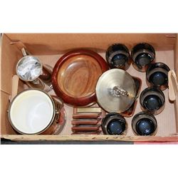 BOX OF VINTAGE BARWARE, ICE BUCKET, GLASSES,