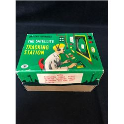 1950 TIN MADE IN JAPAN TRACKING STATION TOY IN ORIGINAL BOX