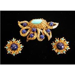 A MARIANNE OSTIER 18K YELLOW GOLD, LAPIS LAZULI AND TURQUOISE BROOCH