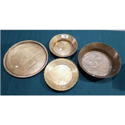 4 VINTAGE BRASS BOWLS AND TRAY
