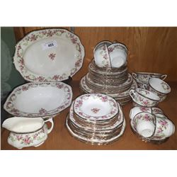 APPROX 60 PC ALFRED MEAKIN ROSE BOWER DINNER SET