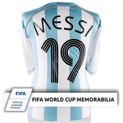 """Lionel """"Leo"""" Messi Signed Argentina World Cup Soccer Jersey (ICONS)"""