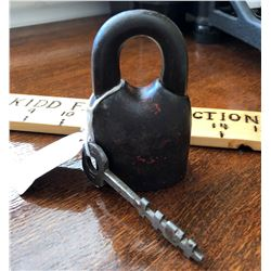 STAR LOCK WORKS CAST IRON PADLOCK WITH REMOVABLE SHACKLE & KEY