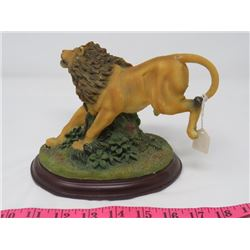 "LION ORNAMENT (CERAMIC) *APPOX 5"" H*"