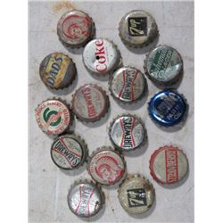 LOT OF BOTTLE CAPS (COKE, 7-UP, STUBBY, CHIEF)