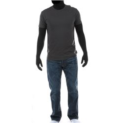 """""""Cade Yeager"""" gray t-shirt and jeans ensemble from Transformers: Age of Extinction."""