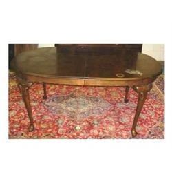 Ethan allen queen anne style oval dining table with 2 18 quot leaves