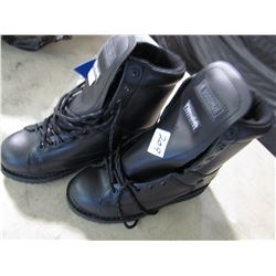 NEW STEEL TOE WORK BOOTS (THINSULATE) *SIZE 9*
