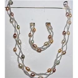 156) FRESH WATER PEARL NECKLACE AND BRACELET SET