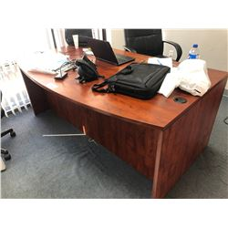 CHERRY BOWFRONT EXECUTIVE OFFICE DESK WITH STORAGE HUTCH & BLKACK TUFTED EXECUTIVE OFFICE CHAIR