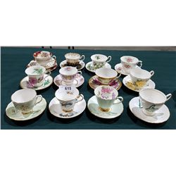 LOT 12 CHINA/PORCELAIN TEACUPS/SAUCERS