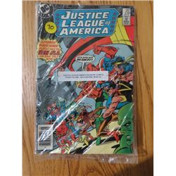 LOT OF 4 COMIC BOOKS (JUSTICE LEAGUE AMERICA & EUROPE COMIC) *FROM THE 1980s*