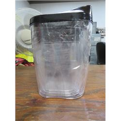 LOT OF KITCHEN CANISTERS (4 NEW SEALED)